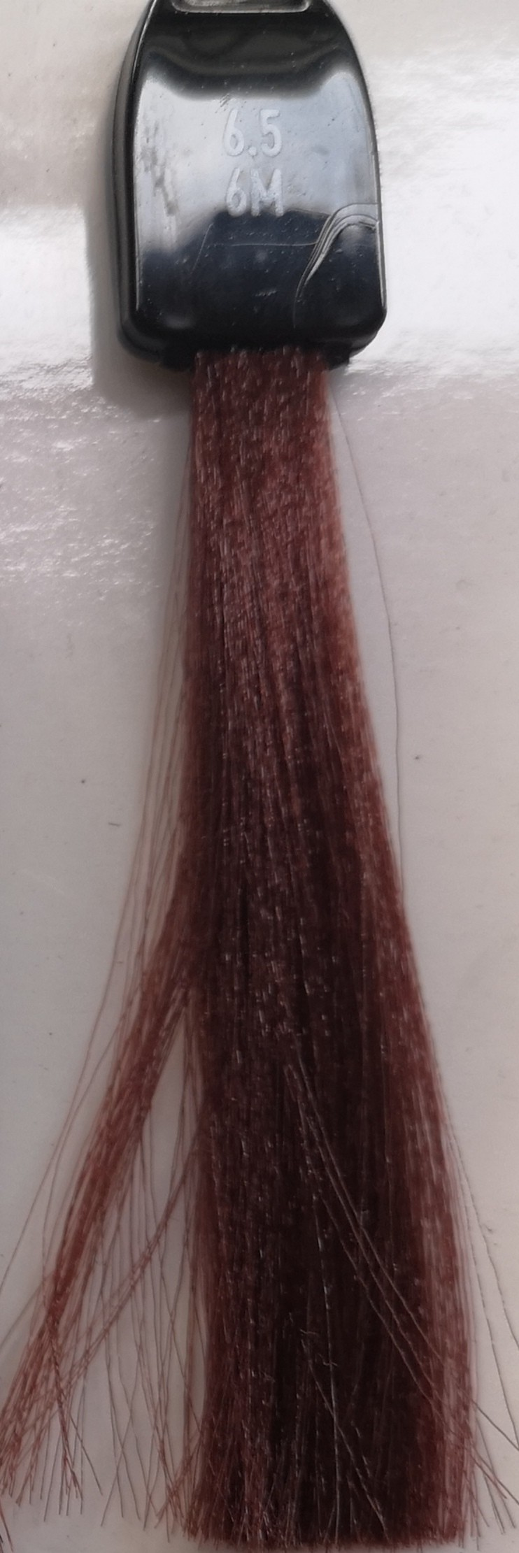 6.5 tamsi mahagoninė blondinė
