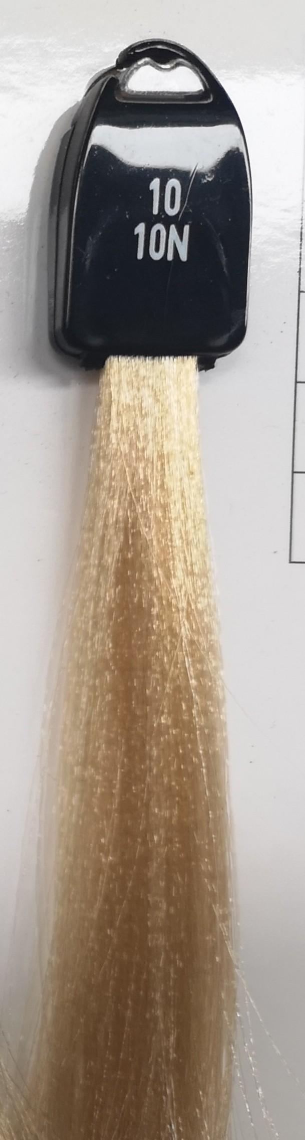 10 platininė blondinė
